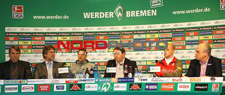 FBL 2007/2008 - Werder Bremen 29.04.2008 PK Klasnic<br /> <br /> Pressekonferenz nach dem Gespr&auml;ch von Ivan Klasnic (#17 CRO Werder Bremen), Matthias Teichner und Klaus-Peter Horndasch (Anw&auml;lte v.l.n.r) und Klaus Allofs (Gesch&auml;ftsf&uuml;hrer Profifu&szlig;ball Werder Bremen), Thomas Schaaf (Trainer / Coach Werder Bremen) und Manfred M&uuml;ller (Gesch&auml;ftsf&uuml;hrer Marketing und Management Werder Bremen).<br /> <br /> Foto &copy; nph (  nordphoto  )<br /> <br /> *** Local Caption ***