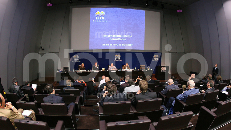 Fussball International FIFA Roundtable mit FIFA-Praesident Joseph S. BLATTER Uebersicht Auditorium