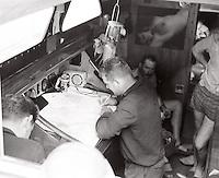A bord de Pénélope. La photo sur la cloison est de Roland de Greef. Le modèle s'appelait peut-être aussi Pénélope ?