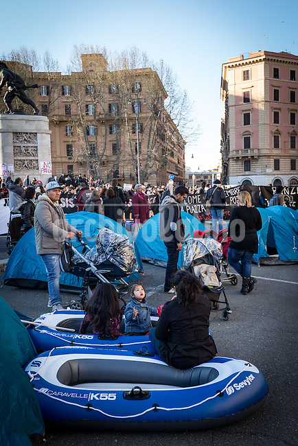 Rome, Italy, 28 may 2015.Anti government demonstrators occupy the front square of the  Ministry of Infrastructure in Rome  to protest against the lack of  housing policies In Italy. Protestors complain about thousands of people loosing their homes as a result of the economic crisis in the country.