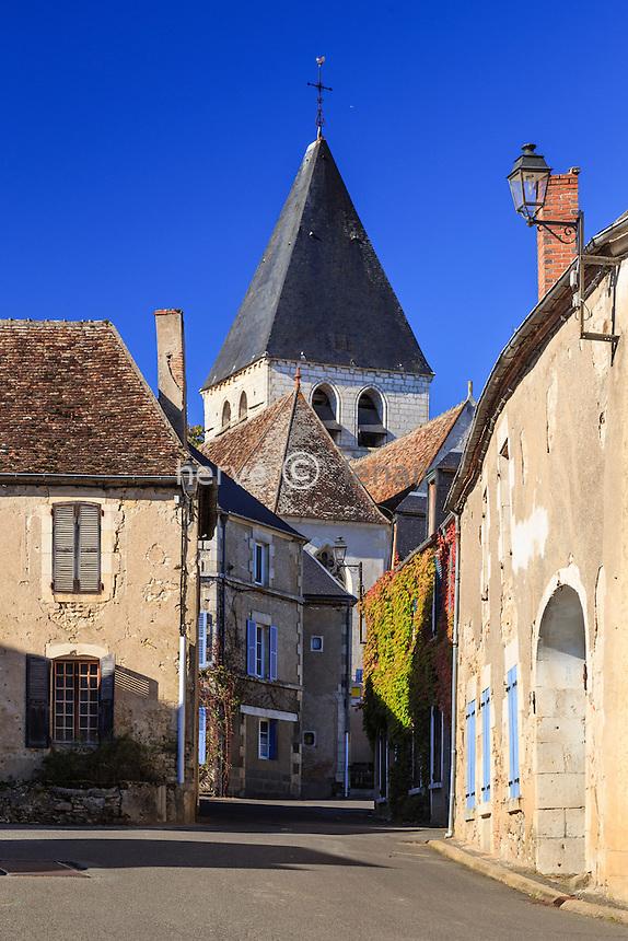 France, Cher (18), région du Berry, région du Sancerrois, Sury-en-Vaux, rue du village // France, Cher, Sancerrois, Sury-en-Vaux, in the village