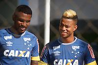 BELO HORIZONTE, MG, 10.06.2016 - FUTEBOL-CRUZEIRO - Jogadores do Cruzeiro durante treino na Toca da Raposa II, em Belo Horizonte, nesta sexta-feira, 10.   (Foto: Vinnícius Silva / Brazil Photo Press)