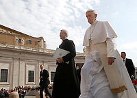 Papa Francesco arriva all'udienza generale del mercoledi' in Piazza San Pietro, Citta' del Vaticano, 26 aprile, 2017.<br /> Pope Francis arrives to lead his weekly general audience in St. Peter's Squareat the Vatican, on April 26, 2017.<br /> UPDATE IMAGES PRESS/Isabella Bonotto<br /> <br /> STRICTLY ONLY FOR EDITORIAL USE