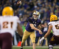 Jake Browning fires a completion to Chico McClatcher for a first down.