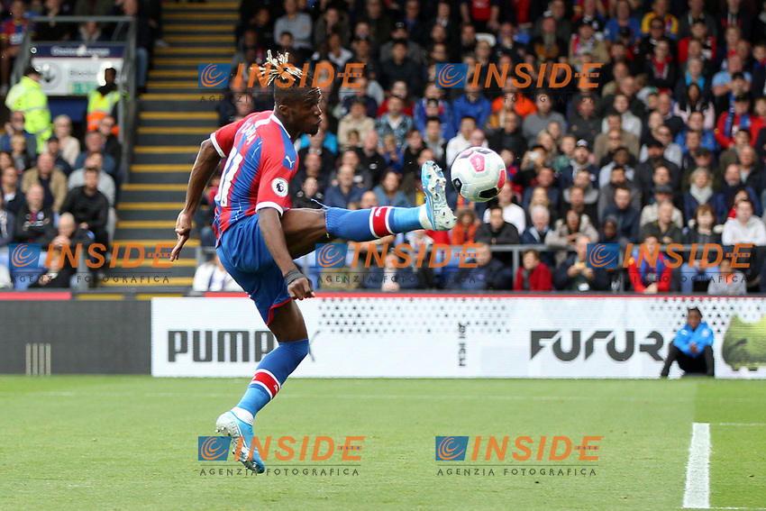 Wilfried Zaha of Crystal Palace gets the ball under control during the Premier League match between Crystal Palace and Norwich City at Selhurst Park on September 28th 2019 in London, England. (Photo by Mick Kearns/phcimages.com)<br /> Foto PHC/Insidefoto <br /> ITALY ONLY