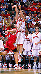 University of Wisconsin guard (20) Kirk Penney during the Maryland game at the Bradley Center in Milwaukee, WI, on 11/29/00. (Photo by David Stluka)