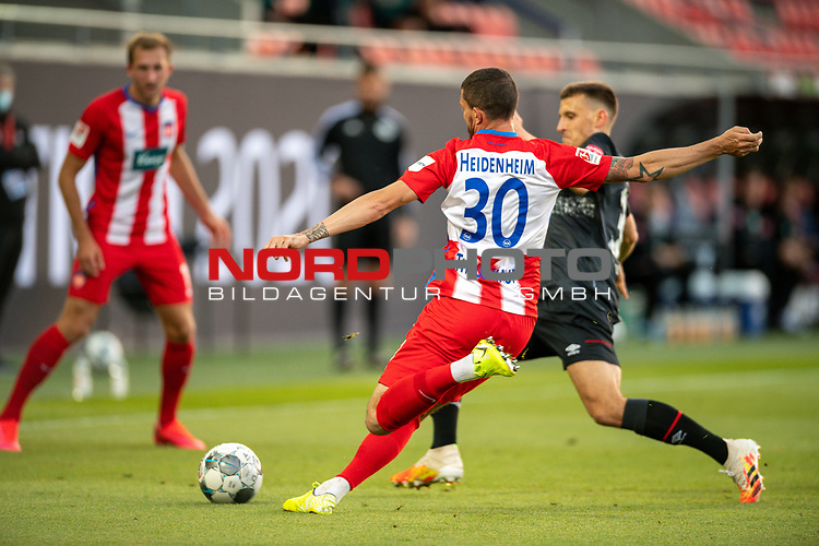 Norman Theuerkauf (FC Heidenheim, #30), Maximilian Eggestein (SV Werder Bremen #35),<br /> <br /> GER, FC Heidenheim vs. Werder Bremen, Fussball, Bundesliga Religation, 2019/2020, 06.07.2020,<br /> <br /> DFB/DFL regulations prohibit any use of photographs as image sequences and/or quasi-video., <br /> <br /> <br /> Foto: EIBNER/Sascha Walther/Pool/gumzmedia/nordphoto
