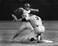 Oakland Athlets Campy Campaneris back to first base,<br />