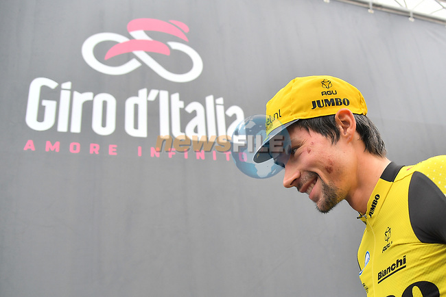 Primoz Roglic (SLO) Team Jumbo-Visma at sign on before Stage 16 of the 2019 Giro d'Italia, running 194km from Lovere to Ponte di Legno, Italy. 28th May 2019<br /> Picture: Gian Mattia D'Alberto/LaPresse | Cyclefile<br /> <br /> All photos usage must carry mandatory copyright credit (© Cyclefile | Gian Mattia D'Alberto/LaPresse)