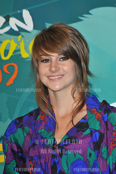 Shailene Woodley at the 2009 Teen Choice Awards at the Gibson Amphitheatre Universal City..August 9, 2009  Los Angeles, CA.Picture: Paul Smith / Featureflash