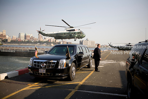United States President Barack Obama arrives in Manhattan on Marine One in New York City, New York on Wednesday, September 22, 2010..Credit: Emily Anne Epstein - Pool via CNP