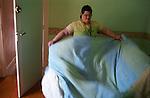 Nathalie, 24ans vit dans la maison d inititation de l association. Chacun des menbres de cette maison y fait son apprentissage vers l'autonomie. Vernon juin 2008