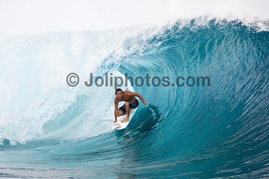 JORDY SMITH (ZAF)  surfing at Teahupoo, Tahiti, (Thursday May 7 2009.) Photo: joliphotos.com