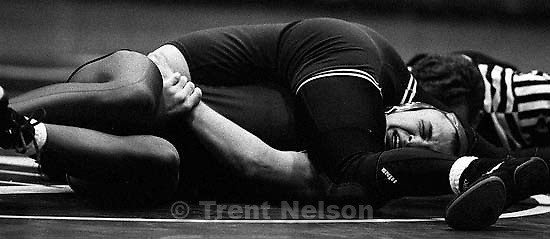 Goofy guy gets pinned at Miramonte vs. Campolindo wrestling<br />