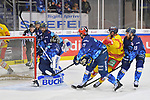 Victor Svensson (Nr.39 - Duesseldorfer EG) trifft zum 0:1, Wayne Simpson (Nr.21 - ERC Ingolstadt), Brett Findlay (Nr.19 - ERC Ingolstadt), Dustin Friesen (Nr.14 - ERC Ingolstadt) und Torwart Jochen Reimer (Nr.32 - ERC Ingolstadt) können das Tor nicht verhindern beim Spiel in der DEL, ERC Ingolstadt (dunkel) - Duesseldorfer EG (hell).<br /> <br /> Foto © PIX-Sportfotos *** Foto ist honorarpflichtig! *** Auf Anfrage in hoeherer Qualitaet/Aufloesung. Belegexemplar erbeten. Veroeffentlichung ausschliesslich fuer journalistisch-publizistische Zwecke. For editorial use only.