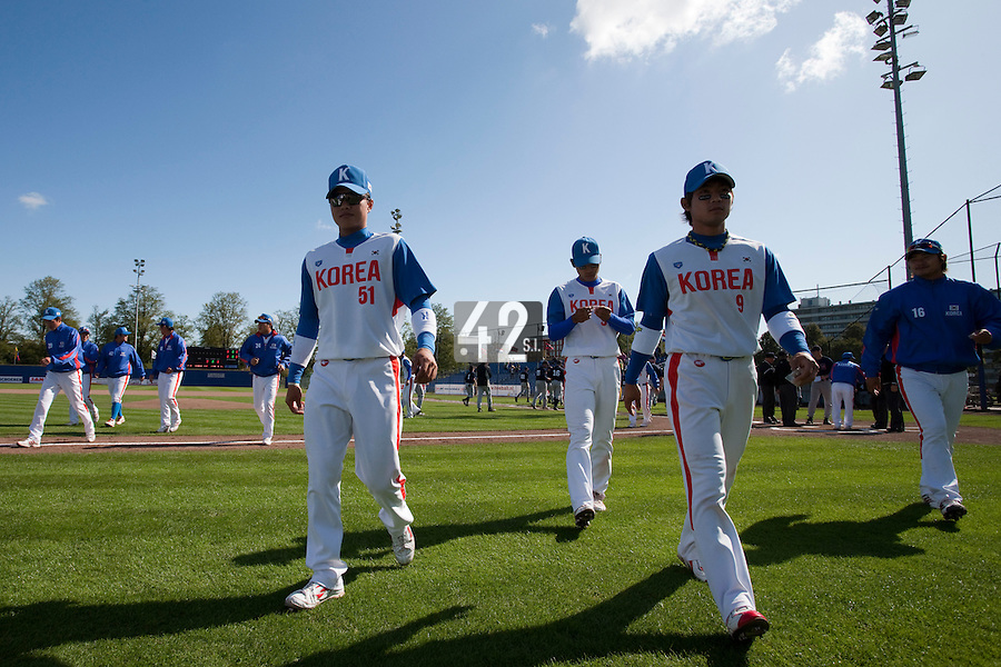 14 September 2009: Team South Korea is seen prior to the 2009 Baseball World Cup Group F second round match game won 15-5 by South Korea over Great Britain, in the Dutch city of Amsterdan, Netherlands.