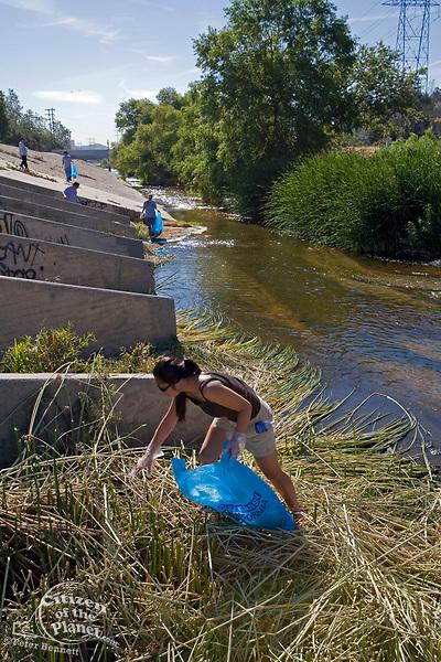 "FoLAR's annual ""La Gran Limpieza"" clean up of the Los Angeles River. Bette Davis Picnic Area. Glendale Narrows. Los Angeles."