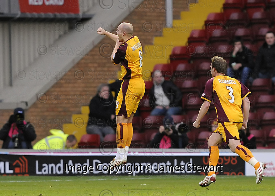 22/11/2008  Copyright Pic: James Stewart.File Name : sct_jspa05_motherwell_v_hibernian.BOB MALCOLM CELEBRATES AFTER HE SCORES MOTHERWELL'S FIRST.James Stewart Photo Agency 19 Carronlea Drive, Falkirk. FK2 8DN      Vat Reg No. 607 6932 25.Studio      : +44 (0)1324 611191 .Mobile      : +44 (0)7721 416997.E-mail  :  jim@jspa.co.uk.If you require further information then contact Jim Stewart on any of the numbers above.........