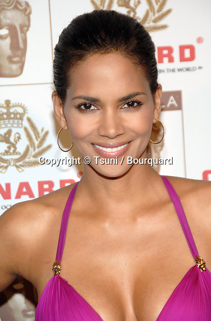 Halle Berry arriving at the 2006 BAFTA / LA Britannia Awards at the Century Plaza  Hotel in Los Angeles.<br /> <br /> full length<br /> headshot<br /> smile<br /> eye contact