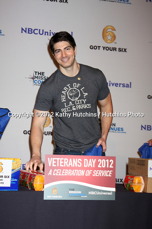 "LOS ANGELES - NOV 9:  Brandon Routh at the Veterans Day Service Event to feed LA Children sponsored by ""The Mission Continues"" and ""Got Your 6"" organizations. at Globe Theater at Universal Studios on November 9, 2012 in Los Angeles, CA"