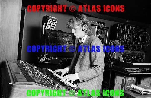 MICHAEL BODDICKER, RECORDING STUDIO, 1980, NEIL ZLOZOWER