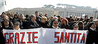 """Suore in piazza San Pietro in occasione dell'Angelus di Papa Benedetto XVI, Citta' del Vaticano, 17 febbraio 2013..Nuns hold a banner reading, in Italian, """"Thank you, His Holiness"""", in St. Peter's square in occasion of the Pope Benedict XVI's Angelus prayer, at the Vatican, 17 February 2013..UPDATE IMAGES PRESS/Riccardo De Luca -STRICTLY FOR EDITORIAL USE ONLY-"""