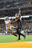Baylor cornerback Ryan Reid (9) defends against Kansas State wide receiver Tyler Lockett (16) during an NCAA football game, Saturday, December 06, 2014 in Waco, Tex. Baylor defeated Kansas State 38-27. (Jeff Everton/TFV Media via AP Images)