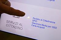 Interno Ufficio Postale per la presentazione della richiesta di Reddito di Cittadinanza