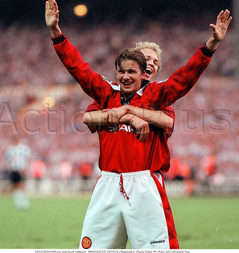 DAVID BECKHAM and Jordi Cruyff celebrate , MANCHESTER UNITED 4 v Newcastle 0. Charity Shield, 960. Photo: Glyn Kirk/Action Plus...1996.soccer.football.english premiership club clubs.association.celebration.celebrating.celebrations.joy.celebrates.premier league