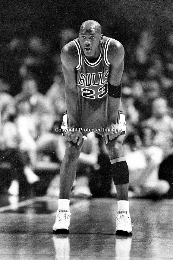 Chicago Bulls Michael Jordan...(photo/Ron Riesterer)