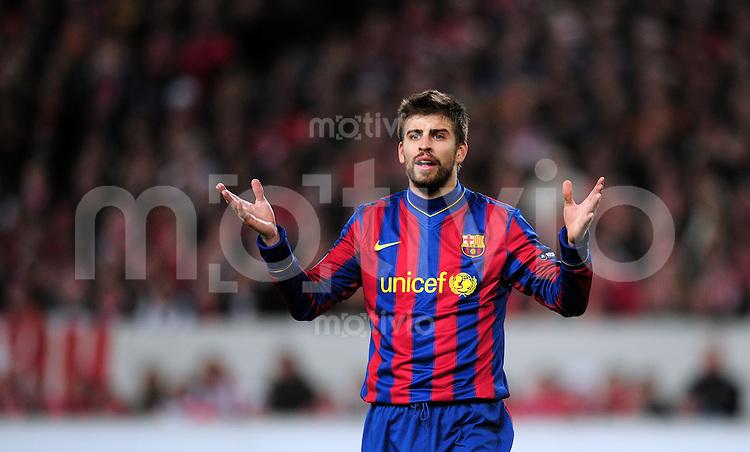 FUSSBALL  International  Champions   League  Hinspiel   SAISON 2009/2010    VfB Stuttgart -  FC Barcelona      23.02.2010 Gerard Pique Bernabeu (Barca)