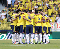 BARRANQUILLA - COLOMBIA - 11-06-2013: Los jugadores de Colombia, durante partido en el estadio Metropolitano Roberto Melendez de la ciudad de Barranquilla, junio 11 de 2013. Colombia y Peru disputan partido en la fecha 14 de la jornada clasificatoria a la Copa Mundo FIFA Brasil 2014. (Foto: VizzorImage / Luis Ramirez / Staff). The players of Colombia during a game in the Metropolitan stadium Roberto Melendez in Barranquilla, June 11, 2013. Colombia and Peru disputing a match on the date 14 of the qualifying for FIFA World Cup Brazil 2014. (Photo: VizzorImage / Luis Ramirez / Staff.)