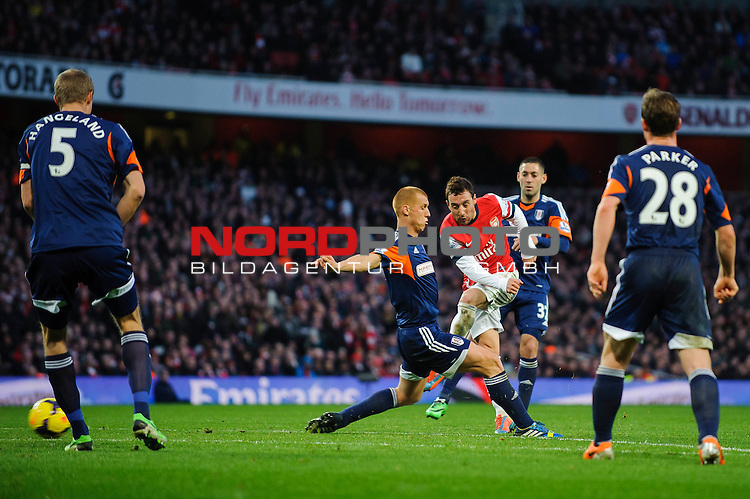 Arsenal Midfielder Santi Cazorla (ESP) scores a goal during the match -  - 18/01/14 - SPORT - FOOTBALL - Emirates Stadium - Arsenal v Fulham - Barclays Premier League.<br /> Foto nph / Meredith<br /> <br /> ***** OUT OF UK *****