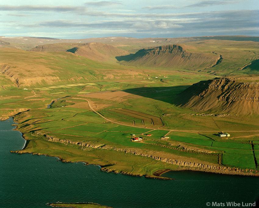 Klifmýri og Hvalgrafir séð til suðausturs, Dalabyggð áður Skarðshreppur / Klifmyri and Hvalgrafir viewing southeast, Dalabyggd former Skardshreppur.