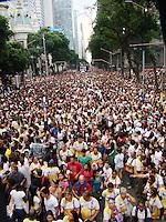 RIO DE JANEIRO - RJ - 19 DE MAIO DE 2012<br /> Nesta tarde de sábado, aconteceu a Marcha para Jesus Rio de Janeiro, com caminhada pela avenida Presidente Vargas e avenida Rio Branco, vias principais do Rio até a Cinelândia, com shows gospel. A estimativa feitas pela PM foi de aproximadamente 300 mil pessoas.<br /> FOTO: RONALDO BRANDÃO/BRASIL PHOTO PRESS