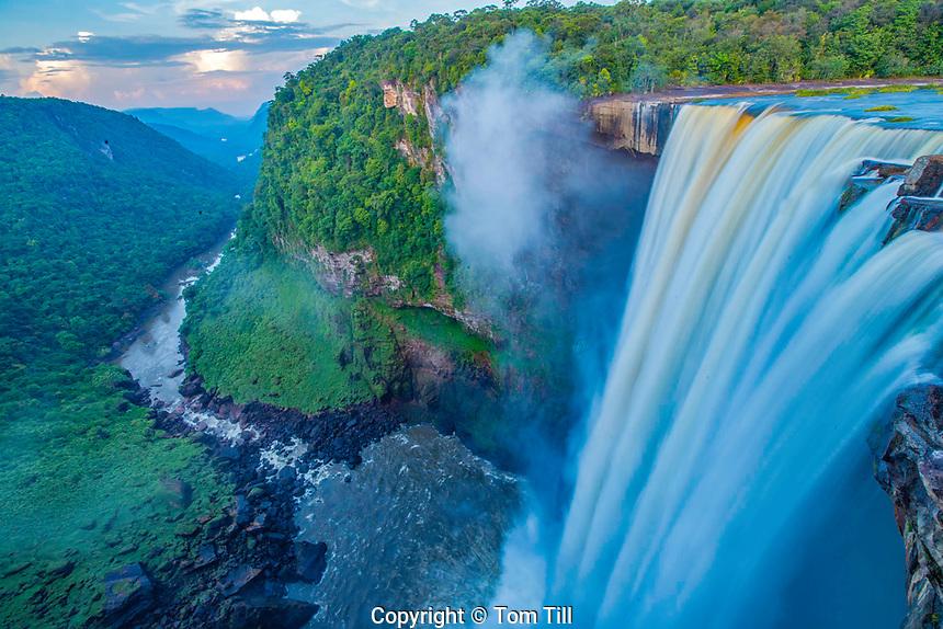 Kaieteur Falls, Kaieteur National Park, Guyana, Potato River, Combines huge volume of water    with 822 foot drop