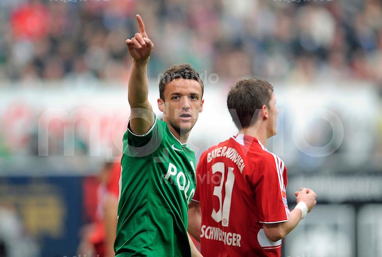 Fussball    1. Bundesliga    Saison 2008/2009    26. Spieltag     VfL Wolfsburg - FC Bayern Muenchen        04.04.2009  Christian GENTNER (Wolfsburg), Portrait.