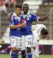 IBAGUE- COLOMBIA- 26  -05- 2013: Erick Moreno  jugador de Millonarios  celebra su gol  con Fredy Montero  contra  Tolima   partido  jugado en el estadio Manuel Murillo Toro de la ciudad de Ibagué, mayo 26  de 2013. juego por la  fecha Diez  y siete   de la Liga Postobon I. (Foto: VizzorImage / Felipe Caicedo / Staff). Erick Moreno Millonarios player celebrates his goa wiht Fredy Montero lagainst Tolima match played at the Manuel Murillo Toro stadium in Ibague, May 26, 2013. game date of Seventeen League  League I.. (Foto: VizzorImage / Felipe Caicedo / Staff).