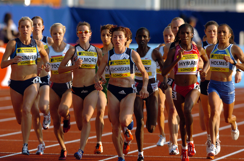 Photo. Henry Browne..Norwich Union London Grand Prix Athletics at Crystal Palace. 30/07/2004..Womens 1500m..The pack.