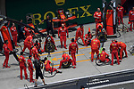12.04.2019, Shanghai Audi International Circuit, Shanghai, 2019 FORMULA 1 HEINEKEN CHINESE GRAND PRIX<br /> im Bild<br />Boxencrew wartet auf Sebastian Vettel (GER#5), Scuderia Ferrari<br /> <br /><br /> <br /> Foto &copy; nordphoto / Bratic