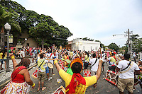 OLINDA, PE, 23.02.2014 - CARNAVAL / PERNAMBUCO / OLINDA - Folioes durante o bloco Congobloco nas ruas do Centro Historico de Olinda, neste domingo, 23. (Foto: William Volcov / Brazil Photo Press).