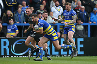 Warrington Wolves' Toby King wins a loose ball from Hull FC's Kieran Buchanan before running in his sides first try <br /> <br /> Photographer Stephen White/CameraSport<br /> <br /> Betfred Super League Round 15 - Warrington Wolves v Hull FC - Saturday 18th May 2019 - Halliwell Jones Stadium - Warrington<br /> <br /> World Copyright © 2019 CameraSport. All rights reserved. 43 Linden Ave. Countesthorpe. Leicester. England. LE8 5PG - Tel: +44 (0 116 277 4147 - admin@camerasport.com - www.camerasport.com