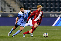 Chester, PA - Friday December 08, 2017: Mauricio Pineda, Cory Thomas The Indiana Hoosiers defeated the North Carolina Tar Heels 1-0 during an NCAA Men's College Cup semifinal soccer match at Talen Energy Stadium.