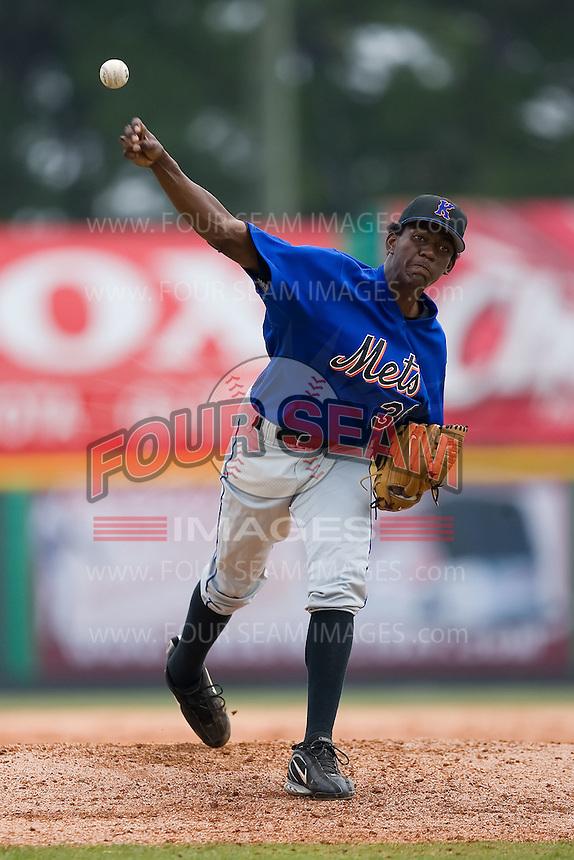 Kingsport relief pitcher Jorge Rodriguez (38) in action versus Burlington at Burlington Athletic Park in Burlington, NC, Monday, July 30, 2007.