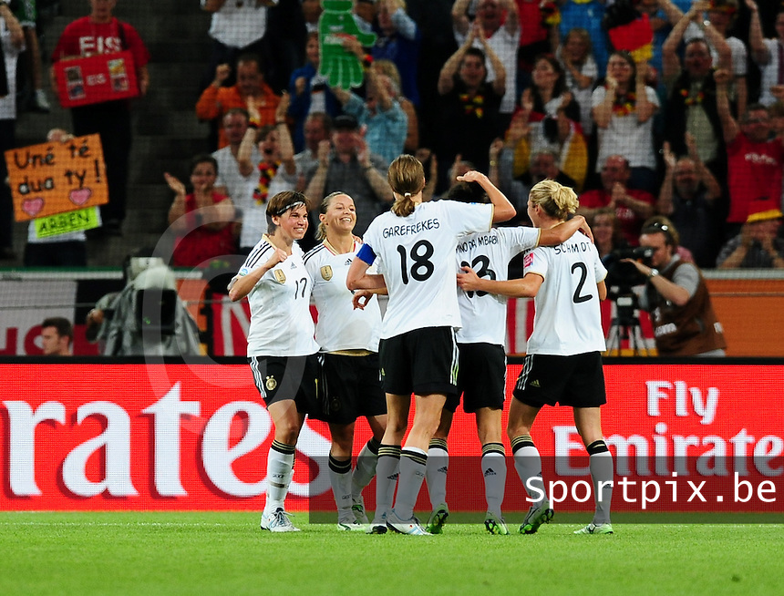 Fifa Women's World Cup Germany 2011 : France - Germany ( Frankrijk - Duitsland ) at Munchengladbach World Cup stadium : vreugde bij duitsland.foto DAVID CATRY / Vrouwenteam.be