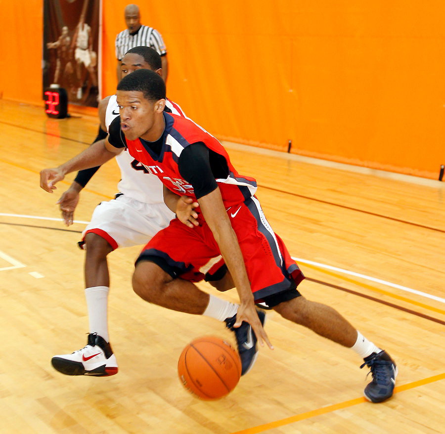 April 9, 2011 - Hampton, VA. USA; Willie Cauley participates in the 2011 Elite Youth Basketball League at the Boo Williams Sports Complex. Photo/Andrew Shurtleff
