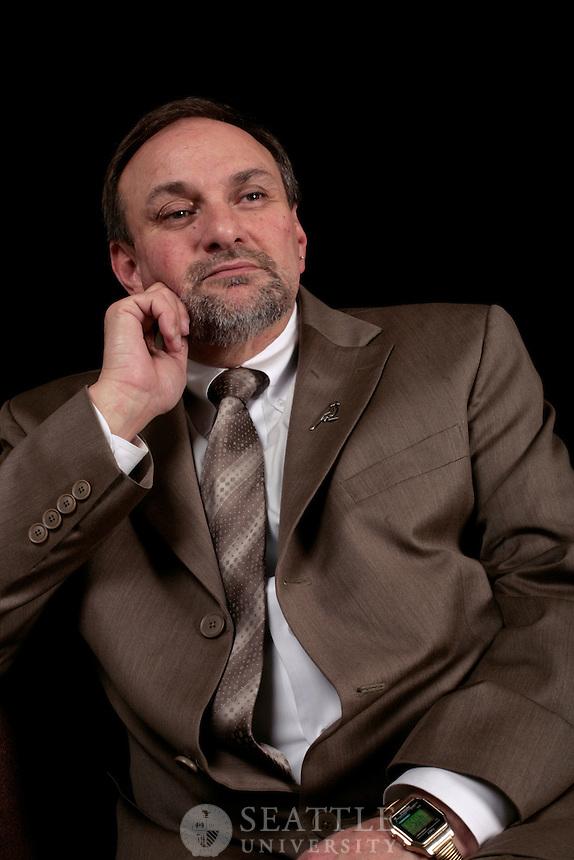 02042009- Jim Theofelis, 89', community service, executive director of the mockingbird society, alumni awards