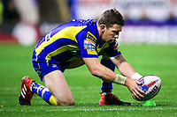 Picture by Alex Whitehead/SWpix.com - 09/03/2017 - Rugby League - Betfred Super League - Warrington Wolves v Wigan Warriors - Halliwell Jones Stadium, Warrington, England - Warrington's Kurt Gidley kicks for goal.