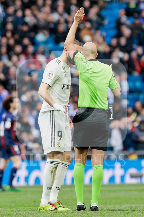 Real Madrid's Karim Benzema have words with the referee during La Liga match between Real Madrid and SD Eibar at Santiago Bernabeu Stadium in Madrid, Spain.April 06, 2019. (ALTERPHOTOS/A. Perez Meca)