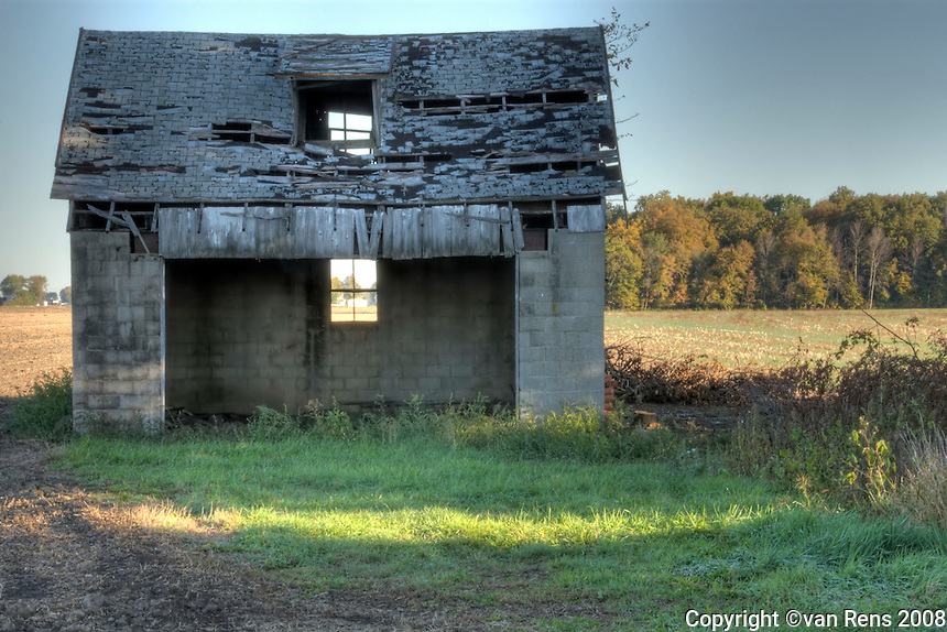 Classic icon of midwest farm belt. Abandoned barns remindsof past efforts at the agricultural challenge.
